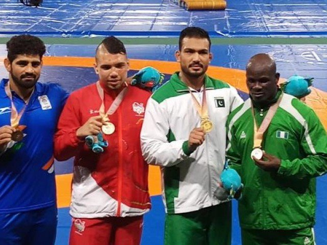 Commonwealth Games 2018: Pakistani wrestler Mohammad Inam wins gold medal